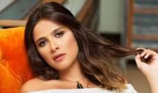 ياسمين عبد العزيز تقود حملة لإلغاء الإحتفال بعيد الأم