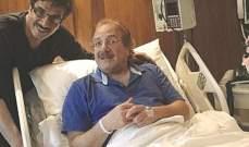 الفنان محمد المنصور يغادر المستشفى قريباً