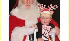 إبنة كيلي كلاركسون مع سانتا كلوز للمرة الاولى