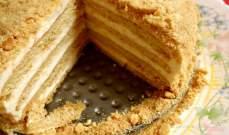 طريقتان لصنع كيكة العسل اللذيذة