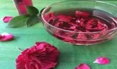 تعرّفوا على فوائد ماء الورد التي ستذهلكم