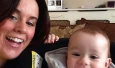 طفل رضيع يساعد والدته على كشف إصابتها بالسرطان
