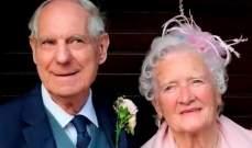 بالصور- عروسان بريطانيان.. مجموع عمرهما 165 سنة