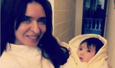"""دينا مع إبنها في كواليس تصوير """"السر"""".. بالصورة"""
