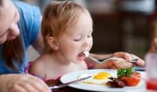 البيض غذاءٌ متكامل لطفلك ويحتوي على 75 سعرة حرارية