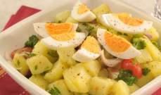 طريقة تحضير البيض المسلوق مع البطاطا بوريه أو الكافيار الأسود