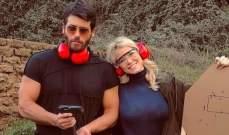 جان يامان يحتضن حبيبته الإعلامية الإيطالية بصورة رومانسية