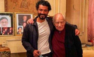 خالد النبوي يطلب من رشوان توفيق مغادرة جنازة عزت العلايلي-بالفيديو