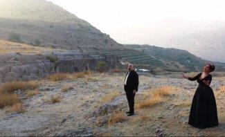 """نسرين بشعلاني وبيار سميا نقلا وجع اللبنانيين من إنفجار مرفأ بيروت في """"أنا لبنان""""- بالفيديو"""