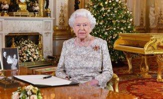 مذيع بريطاني يقع في خطأ محرج بإعلانه وفاة الملكة إليزابيث على الهواء-بالفيديو
