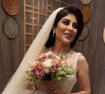 زارا البلوشي تحدّت عائلتها.. وأثارت الجدل بزواجها الثاني ...