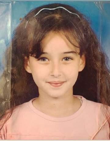 خمنوا من هذه الطفلة التي أصبحت من أشهر الممثلات المصريات