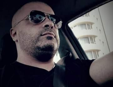 سليمان أصفهاني يستمر في تقبل التعازي بوفاة والدته