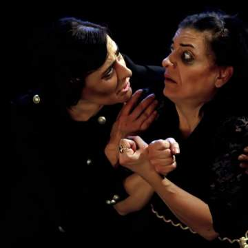 """بعد النجاحات الكبيرة مسرحية """"الدكتاتور"""" على مسرح """"بابل"""" مجاناً"""