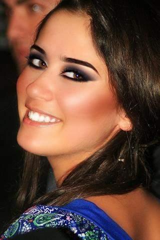 """ليان بزلميط """"رمانة"""" إلى جانب عدد من نجوم العالم العربي والغربي.. بالفيديو"""