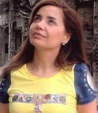 كاتيا حرب تغني للسلام في حمص