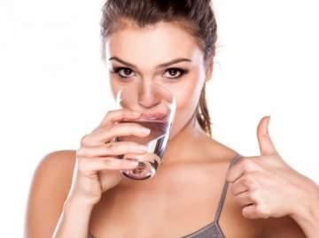 هذه هي الأمراض التي يسببها شرب الماء أثناء الوقوف