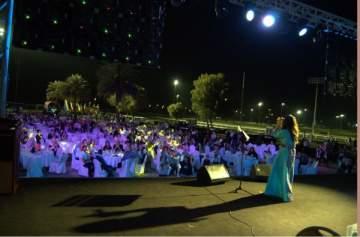 زين عوض تغني للفنانة القديرة سميرة توفيق في أبو ظبي