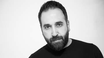 Carlos B يجمع بين الإيقاع الشرقي والغربي في عمله الموسيقي الجديد