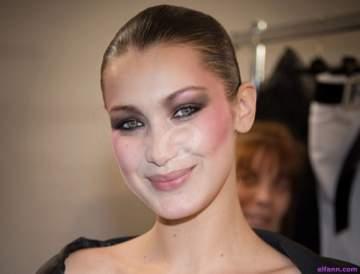 بيلا حديد المرأة الأجمل في العالم بحسب دراسة علمية