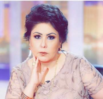 فجر السعيد تصل الى الكويت بعد عودتها من رحلة العلاج-بالفيديو