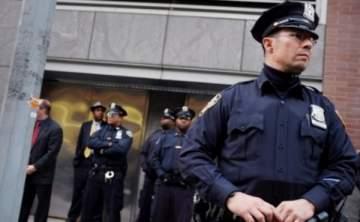 ضابط شرطة يغتصب إمرأة داخل سيارتها مستغلاً زحمة السير