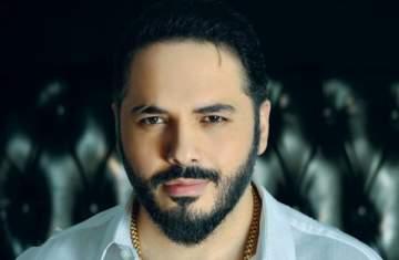 رامي عياش يتقدم بالتعازي من ناصيف زيتون بعد وفاة والده