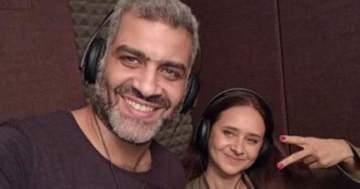 نيللي كريم وهاني عادل يشجّعان المنتخب المصري على طريقتهما