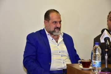 خالد الصاوي يبحث عن بطلة لفيلمه الجديد