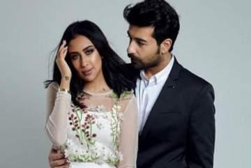 هذه هدية عقيل الرئيسي لفرح الهادي بمناسبة عيد زواجهما-بالفيديو