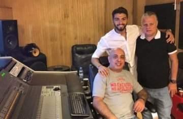 بالصورة.. عمر كرم يحضر لأغنية باللون الجزائري مع جون صليبا