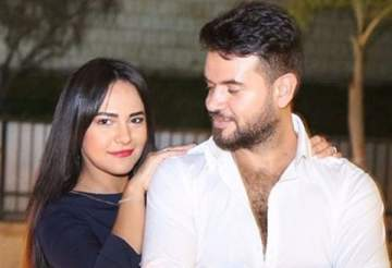 سامو زين يتغزّل بزوجته في عيد زواجهما الثاني.. بالصورة
