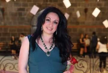 الفنانة الأرمينية ليونورا توجه رسالة تضامن مع المتظاهرين في لبنان-بالفيديو