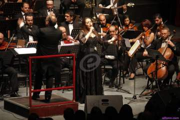 خاص بالصور- عبير نعمة تغني في أوبرا دمشق: الشعب السوري أكثر الشعوب تذوقاً للموسيقى