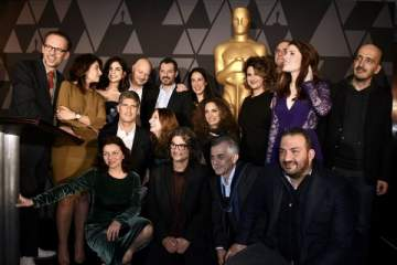 عادل كرم وزياد دويري على بعد ساعات من الأوسكار والممثلون يتفاعلون معهما