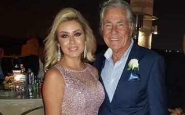 مصطفى فهمي يراقص ابنته خلال حفل زفافها بغياب حسين فهمي -بالفيديو