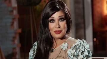 فيفي عبده تكشف عن كواليس جلسة تصويرها الأخيرة-بالفيديو
