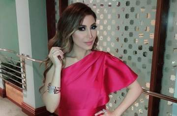يارا كالأميرات في أول حفل لها بالسعودية.. بالصور