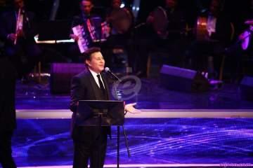 هاني شاكر للفن: لست راضيا عن المشهد الغنائي..وهذا وضع محمد رمضان في الغناء