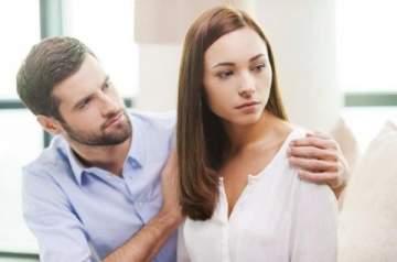 أسباب الغيرة الزائدة عند المرأة.. ونصائح للرجل للتعامل معها