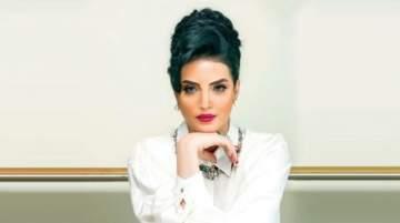 حورية فرغلي تثير الجدل بسبب غيابها عن عزاء هيثم أحمد زكي