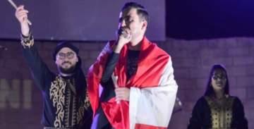 روني كسار يغني أمام 18 ألف شخص ويُكرّم في تونس.. بالصور