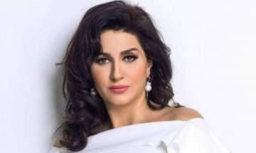 وفاء عامر تتعرض لوعكة صحية وتستعين برقبة طبية- بالفيديو