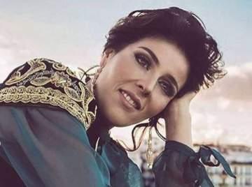 سعاد ماسي رفضت تقديم أغاني الراي الجزائرية.. وطليقها حاول قتل إبنتيهما