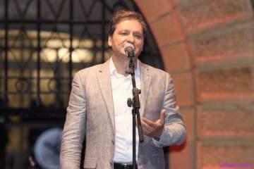 خاص الفن- نزار فرنسيس يرد على زين العمر بعد غنائه أغنية فارس كرم