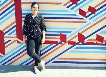 مركز مرايا للفنون يقدّم جدارية إبتسم أنت في الشارقة