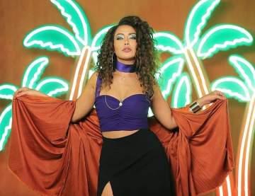 كاميليا ورد تطرح برومو أغنيتها الجديدة-بالفيديو