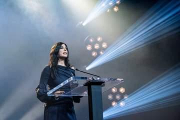 نادين لبكي تلقي الكلمة الرئيسية خلال حفل تسليم جائزة نانسن