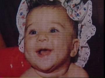 خمنوا من هذه الطفلة التي أصبحت أشهر نجمات مصر