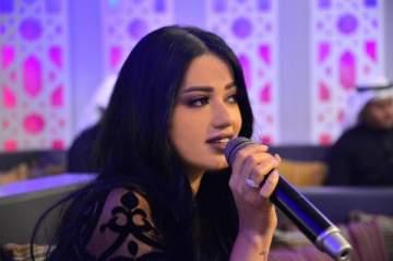 رحمة رياض تغني الحب في عيده ببلدها العراق